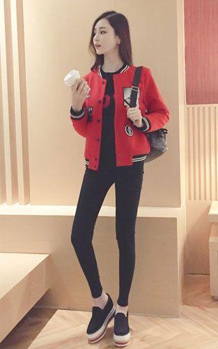 帅气气质发挥到极致搭配 毛呢棒球服搭配黑色打底衫+黑色小脚裤