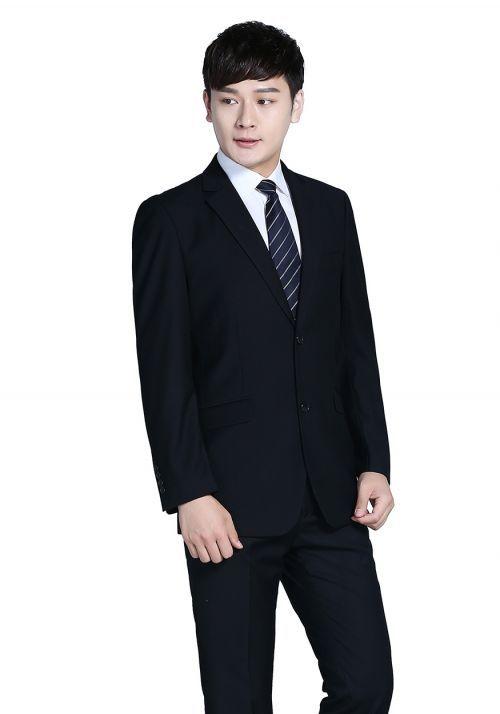 西服订做——身型瘦小的男士该掌握哪些穿着技巧呢?